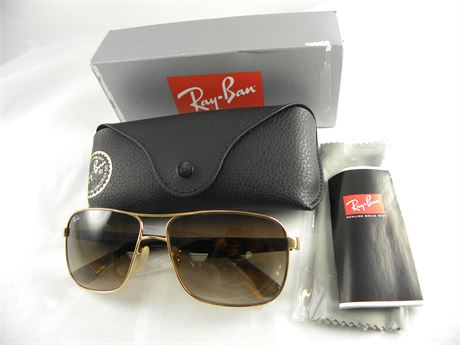 outlet ray ban a7lw  LiquidationMania Outlet & Online Auction up to 90 % OFF